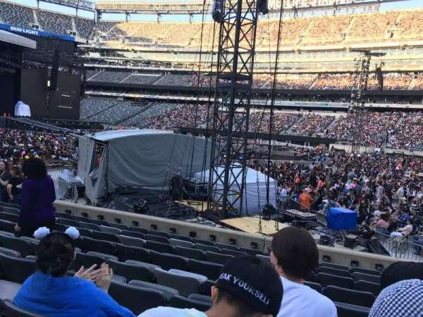 MetLife Stadium, section: 135, row: 9, seat: 23