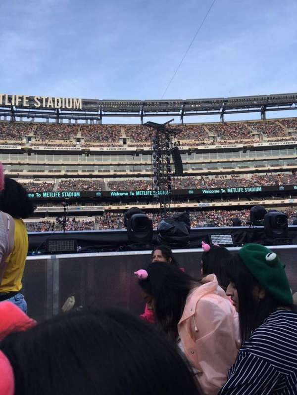 MetLife Stadium, section: Floor 10, row: 14, seat: 10