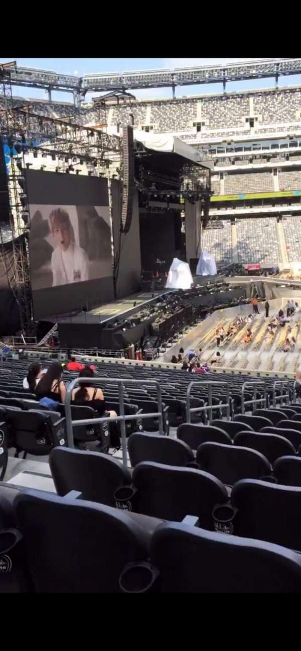MetLife Stadium, section: 140, row: 31, seat: 30