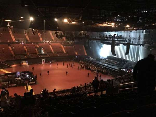 The Forum, section: 207, row: 13, seat: 4