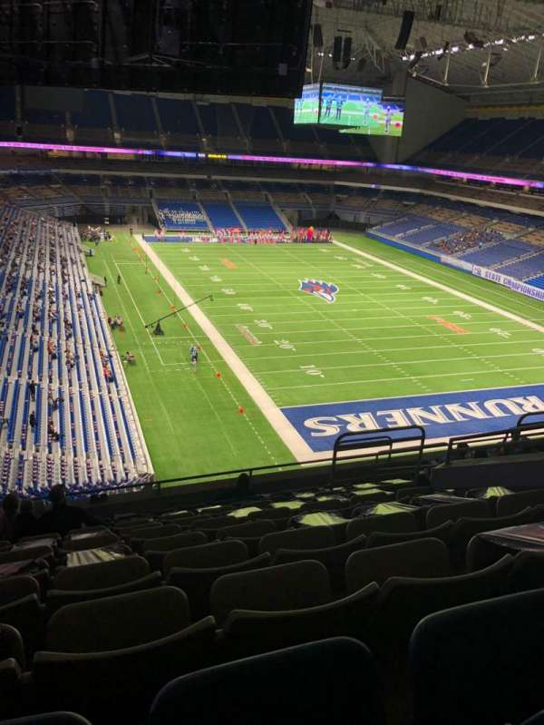 Alamodome, section: 304, row: 11, seat: 12