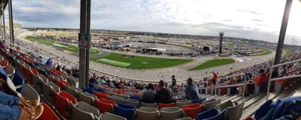 Atlanta Motor Speedway, section: 261, row: 56, seat: 16