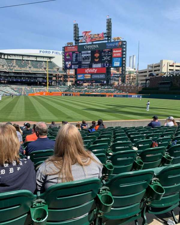 Comerica Park, section: 113, row: 21, seat: 15