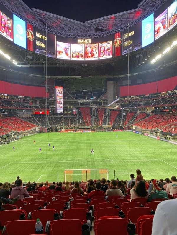 Mercedes-Benz Stadium, section: 119, row: 32, seat: 14