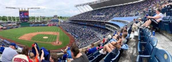 Kauffman Stadium, section: 415, row: E, seat: 4