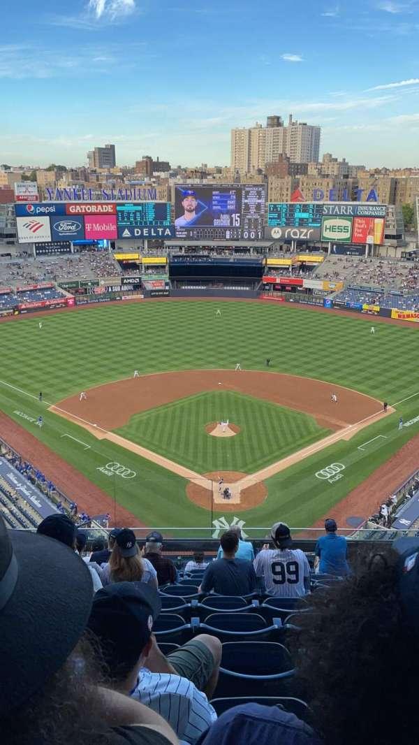 Yankee Stadium, section: 420B, row: 10, seat: 26