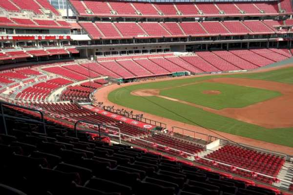 Great American Ball Park, section: 305, row: H, seat: 9