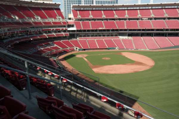Great American Ball Park, section: 437, row: D, seat: 8