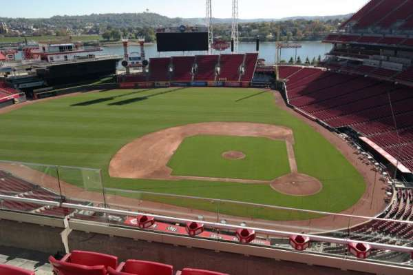 Great American Ball Park, section: 519, row: D, seat: 4