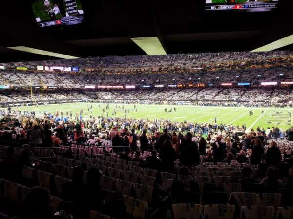 Caesars Superdome, section: 137, row: 32, seat: 25