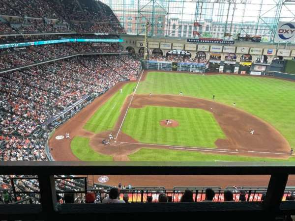 Minute Maid Park, section: 324, row: 5, seat: 2