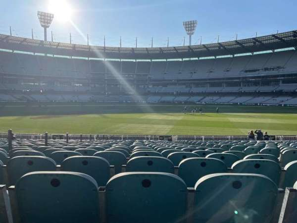 Melbourne Cricket Ground, section: M16, row: X, seat: 4