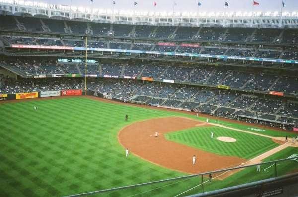 Yankee Stadium, section: 330, row: 3, seat: 21