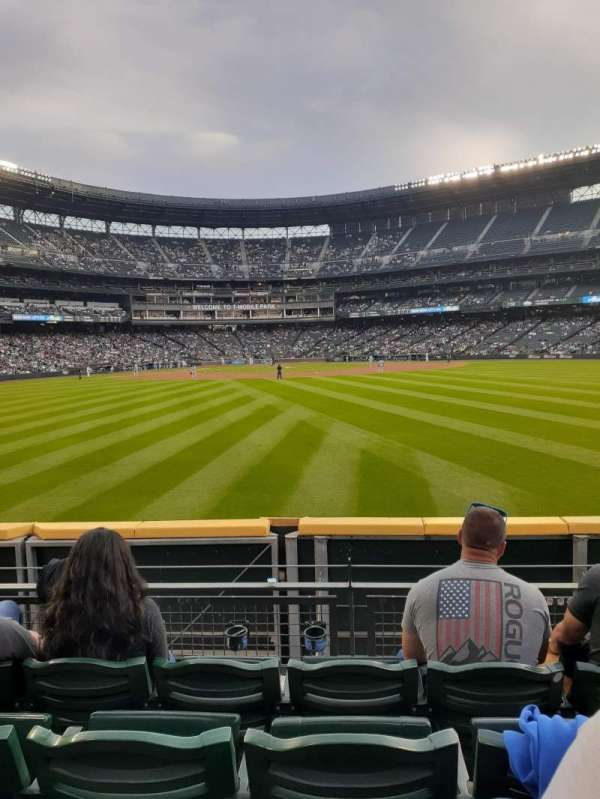 T-Mobile Park, section: 103, row: 26, seat: 3