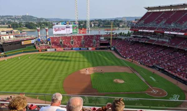 Great American Ball Park, section: 517, row: D, seat: 15