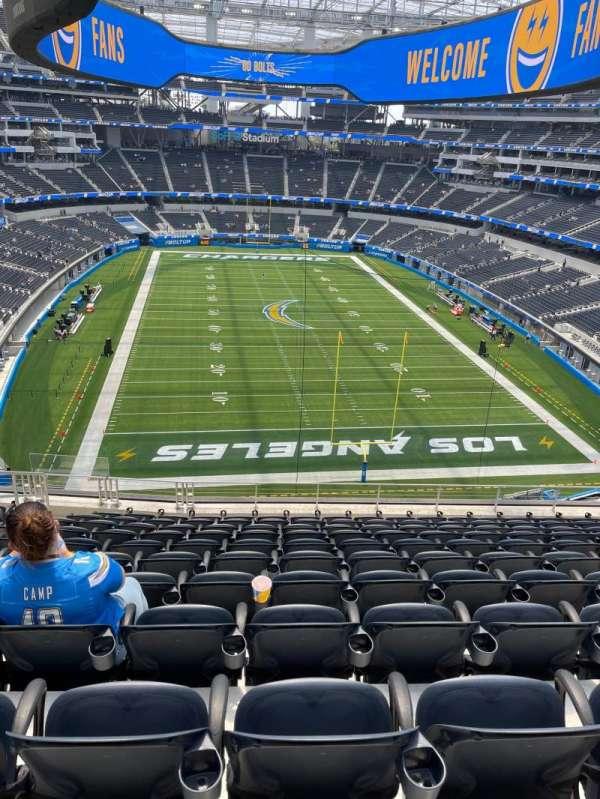 SoFi Stadium, section: 308, row: 11, seat: 17