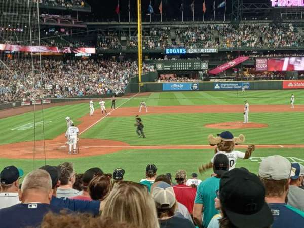T-Mobile Park, section: 124, row: 19, seat: 7