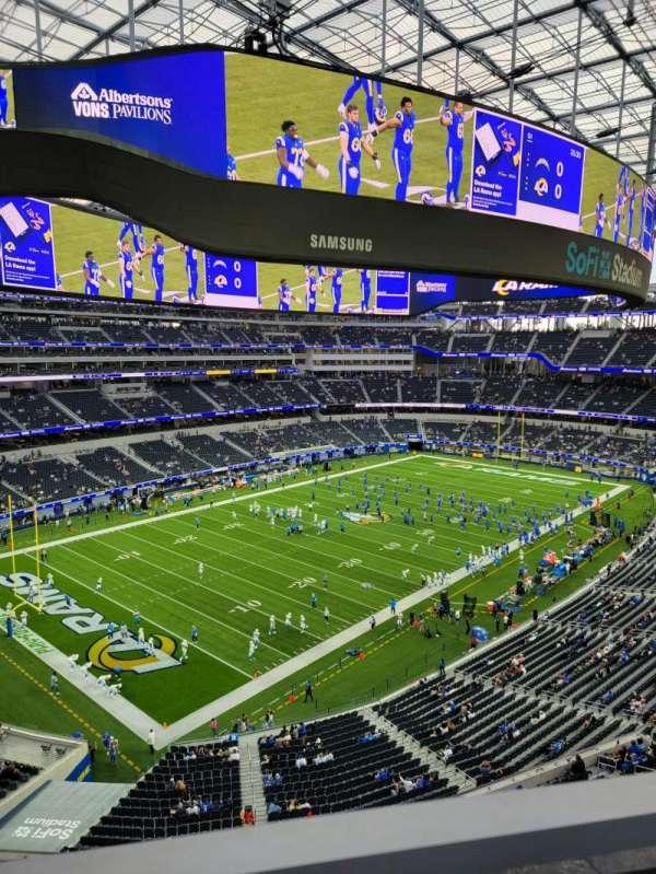 SoFi Stadium, section: 342, row: 1, seat: 17