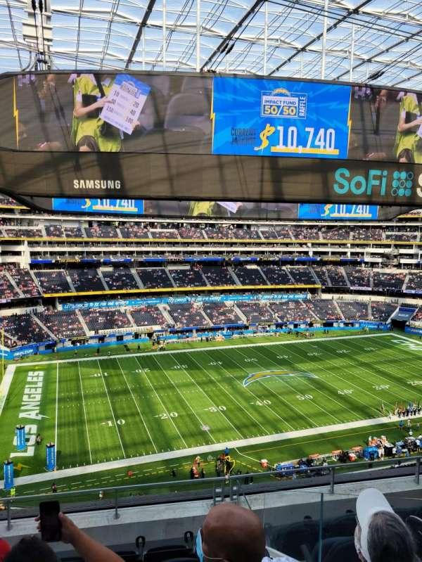 SoFi Stadium, section: 318, row: 6, seat: 3