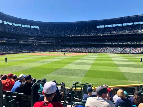 T-Mobile Park, section: 105, row: 30, seat: 8