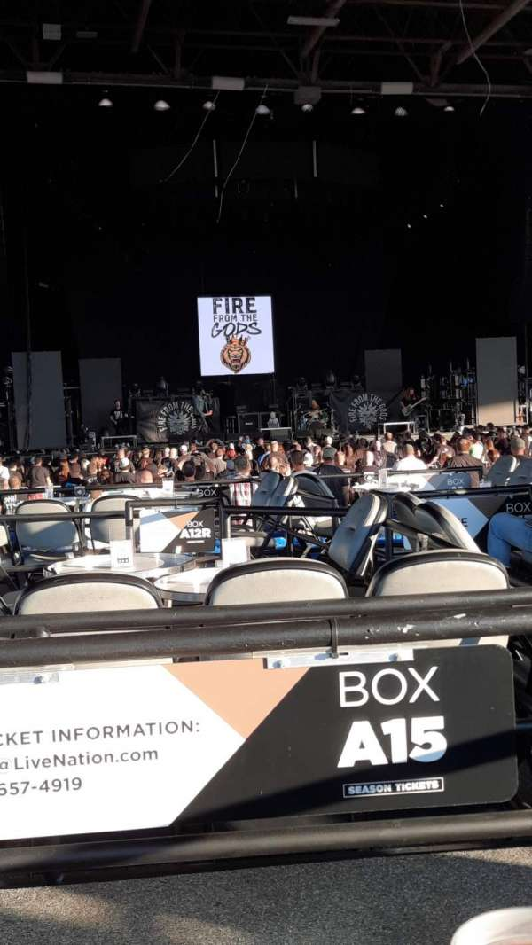 Hollywood Casino Amphitheatre (Maryland Heights), section: A15, row: 1, seat: 1