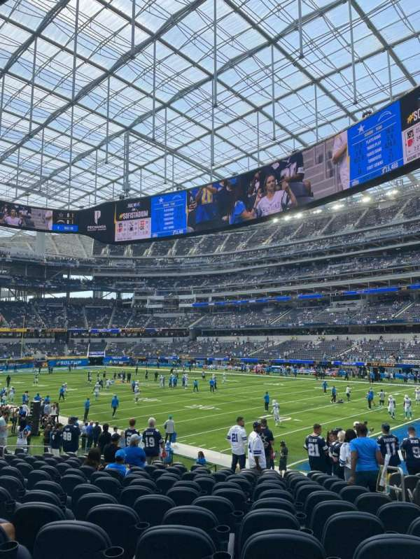 SoFi Stadium, section: C136, row: 14, seat: 3