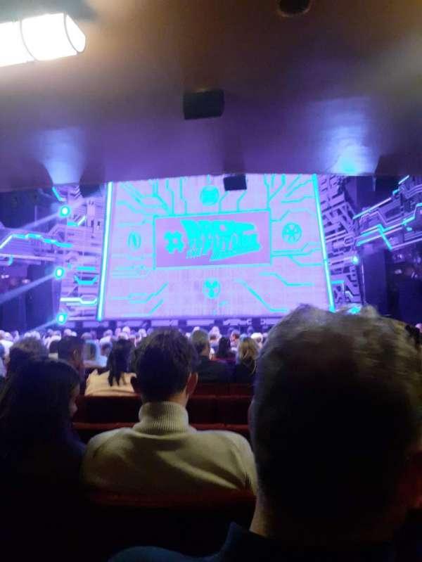 Adelphi Theatre, section: Stalls, row: R, seat: 12