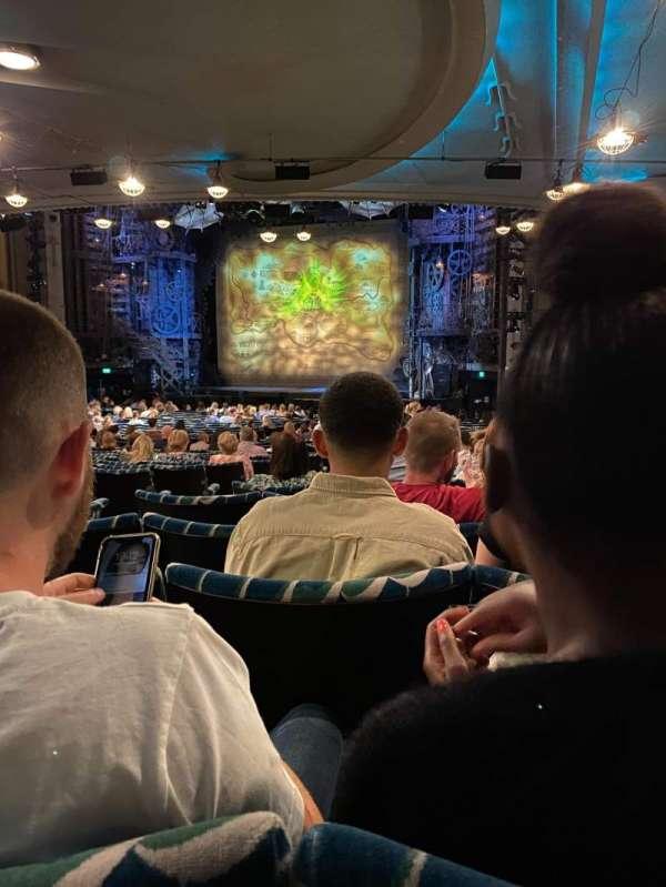 Apollo Victoria Theatre, section: Stalls, row: ZF, seat: 6