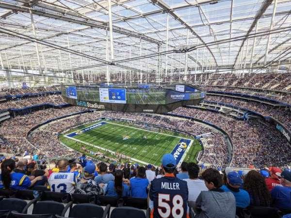 SoFi Stadium, section: 520, row: 18, seat: 10