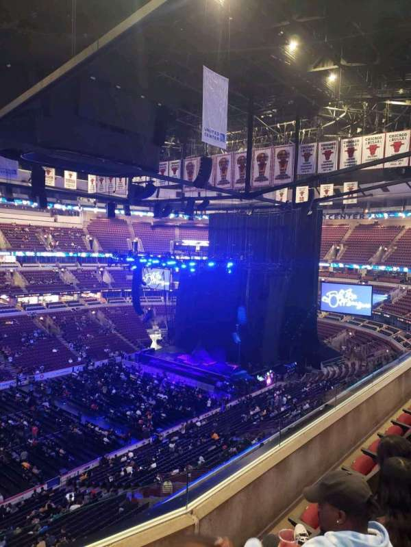 United Center, section: 311, row: 4, seat: 11