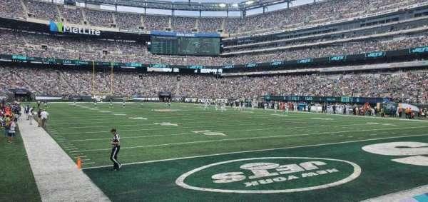 MetLife Stadium, section: 129, row: 4, seat: 17