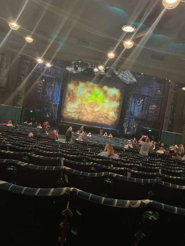 Apollo Victoria Theatre, section: Stalls, row: ZC, seat: 32