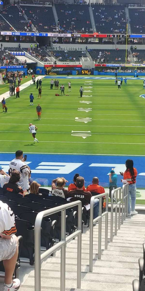 SoFi Stadium, section: 102, row: 16, seat: 22