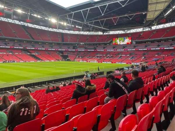 Wembley Stadium, section: 104, row: 25, seat: 42/41