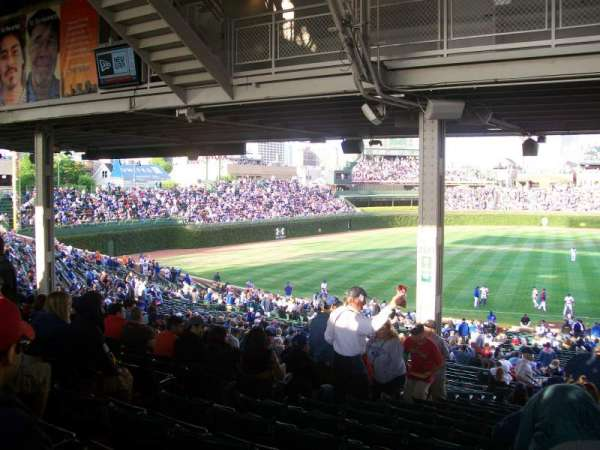 Wrigley Field, section: 209, row: 19, seat: 7