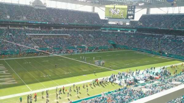 Hard Rock Stadium, section: 323, row: 1, seat: 9