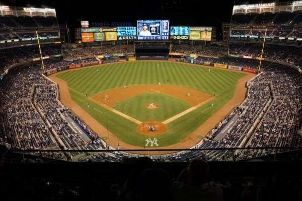 Yankee Stadium, section: 420B, row: 3, seat: 13