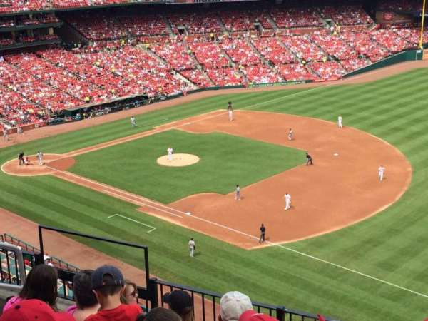Busch Stadium, section: 327, row: 6, seat: 7