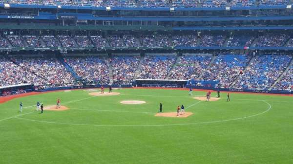 Rogers Centre, section: 205L, row: 11, seat: 104
