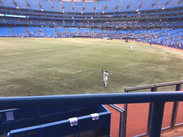 Rogers Centre, section: 138R, row: 1, seat: 2