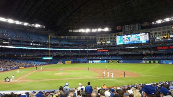 Rogers Centre, section: 117L, row: 28, seat: 110