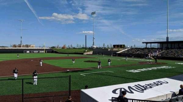 Franklin Field (Wisconsin), section: 101, row: J, seat: 10