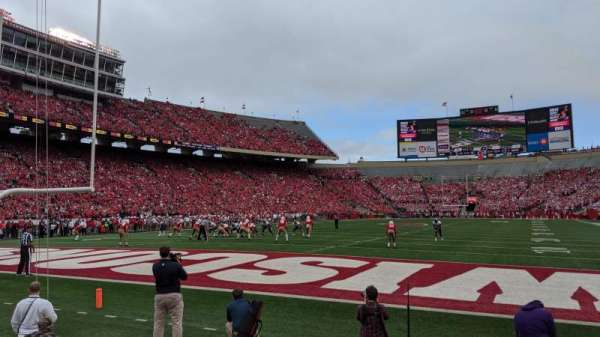 Camp Randall Stadium, section: Y3, row: 3, seat: 10