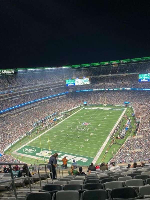 MetLife Stadium, section: 348, row: 22, seat: 20