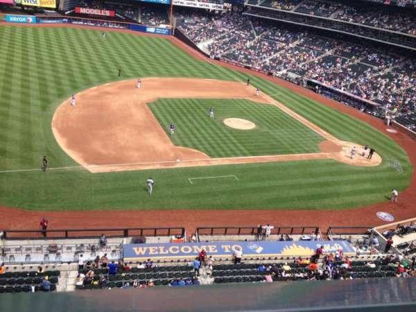 Citi Field, section: 423, row: 1, seat: 4