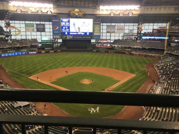 Miller Park, section: 423, row: 1, seat: 2