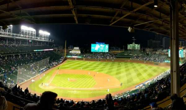Wrigley Field, section: 423R, row: 4, seat: 6