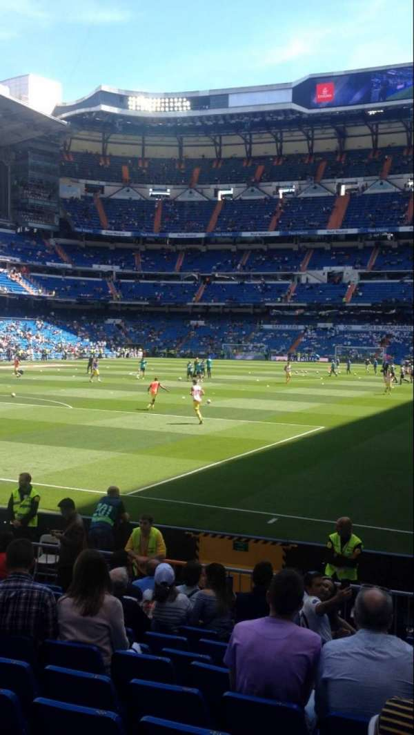 Santiago Bernabéu Stadium, section: 113, row: 15, seat: 18