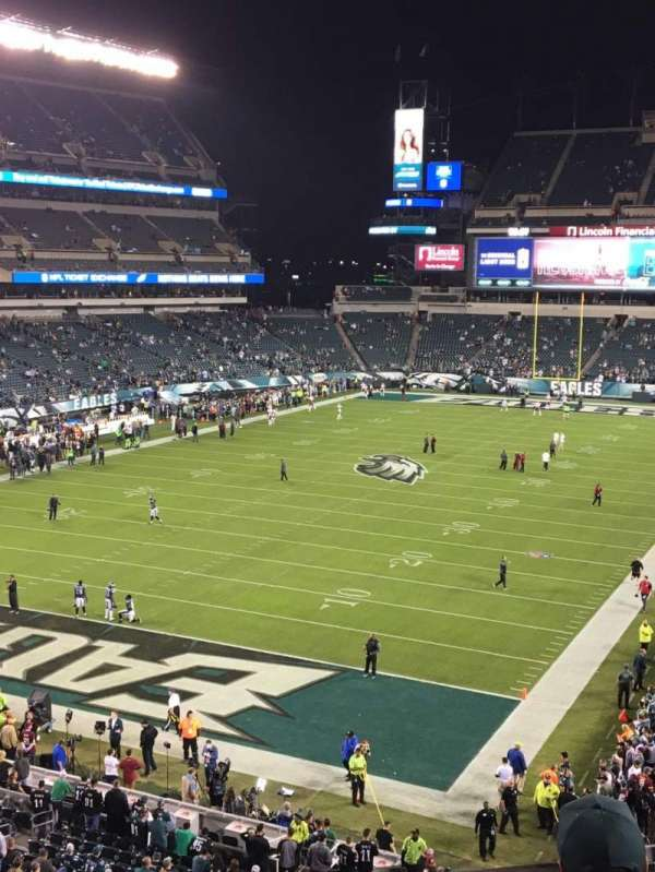 Lincoln Financial Field, section: M13, row: 4, seat: 4