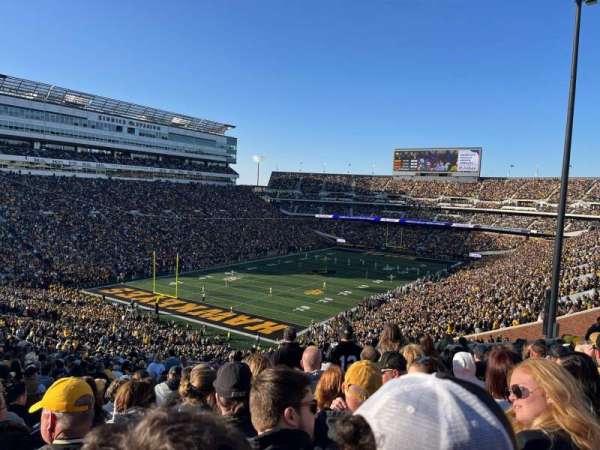 Kinnick Stadium, section: 211, row: 37, seat: 26